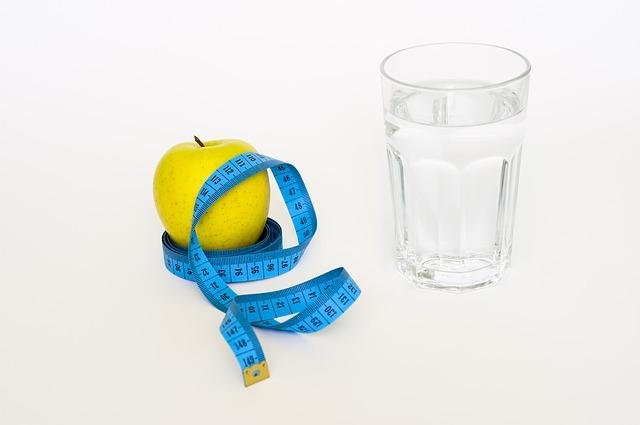 voda, metr, jablko